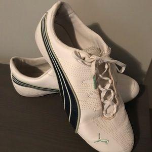 Women's size 8 Puma shoes
